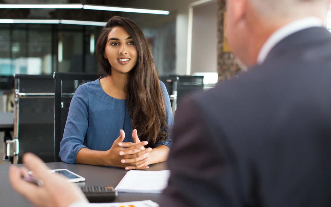 Você sabe como contratar um estagiário dentro da lei? Confira aqui!
